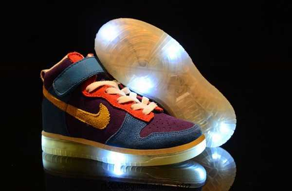 Lumineuse chaussure Fille basket Nike Basket Fille wv8ny0NmO